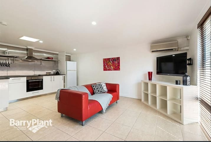 Granny Flat in Coburg - Privacy, Secure & Comfort.