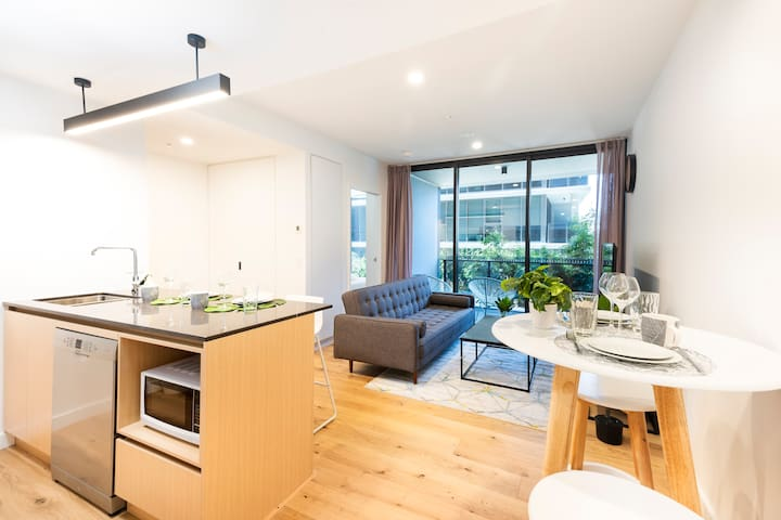 ♡Sophisticated Luxury 2BR|PoolGymParking|Southbank