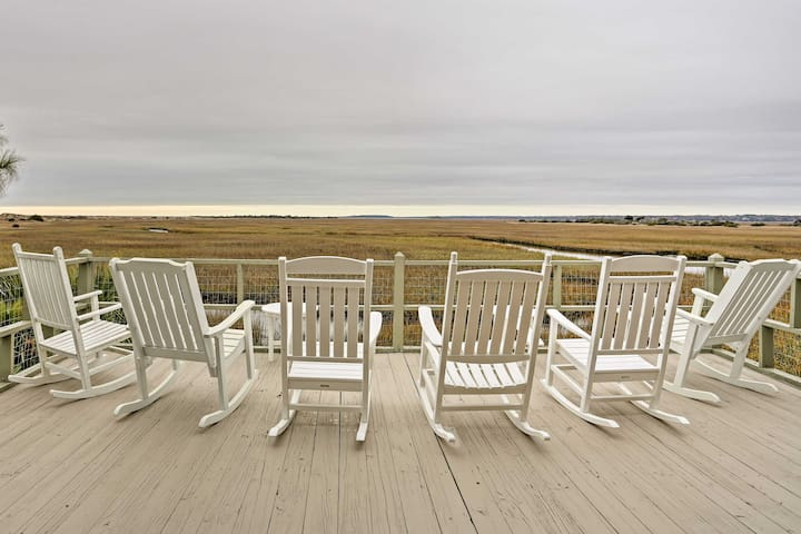 Sunset Beach Cottage with Deck and Ocean Views!