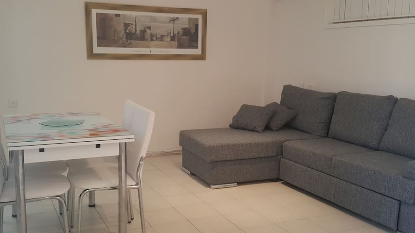Apartment in the center of Herzelya, near the Mall - Herzliya - Lakás