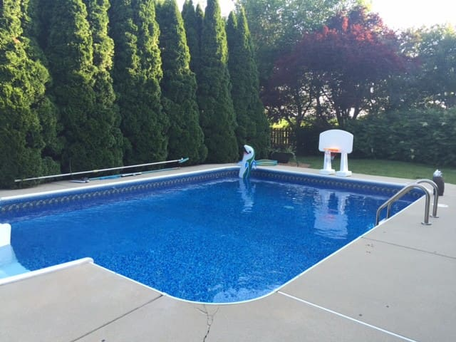 Nice home in great location with a pool - Springfield - House