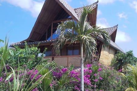 Unique Villa 3 BR Balangan, 100 meters beach !