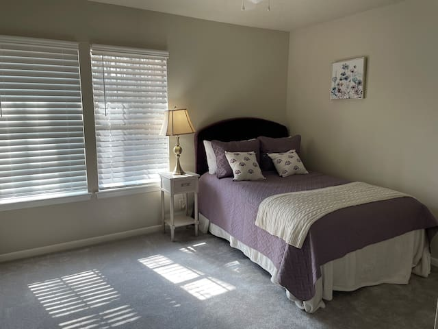 Second upstairs bedroom with full size Beth