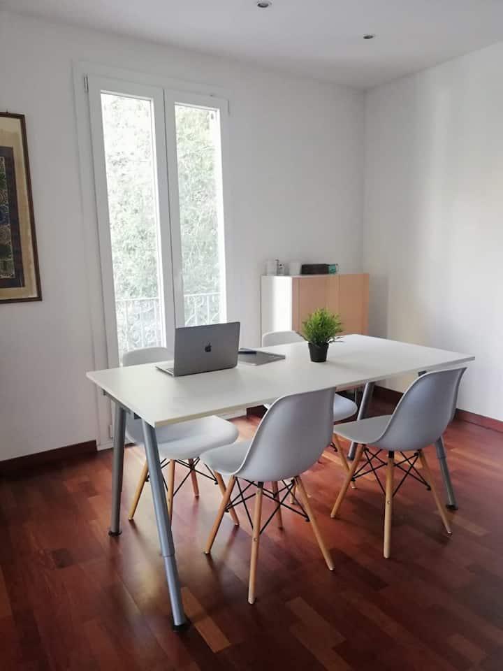 Habitacion doble tranquila,el centro de Barcelona!