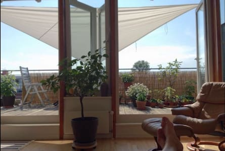 Sunny penthouse with terraze - Hamburg