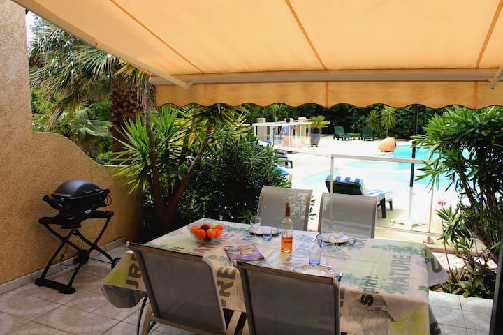 Villa mitoyenne 40m² à 100m de la mer