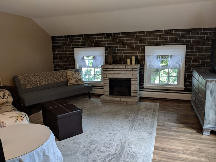 Country Farmhouse Comfort in the Heart of Town