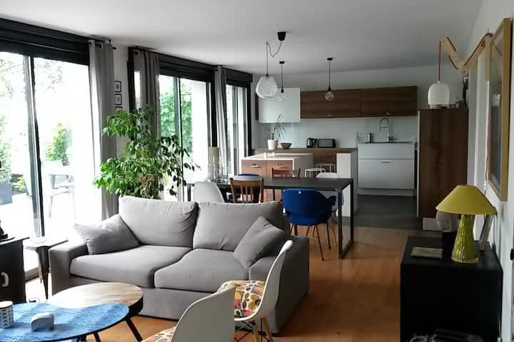 Appartement avec terrasse et jardin proche centre
