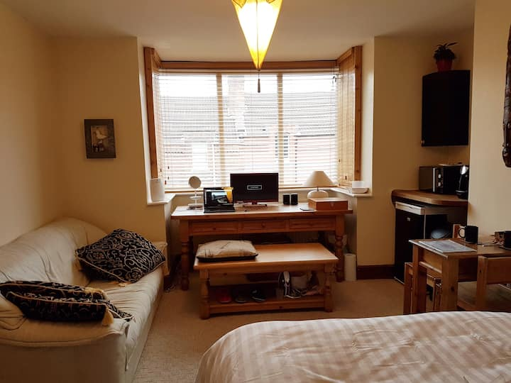 Convenient studio in great Bristol location