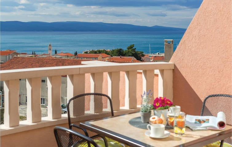 Holiday apartment with 1 room on 32m² in Baska Voda
