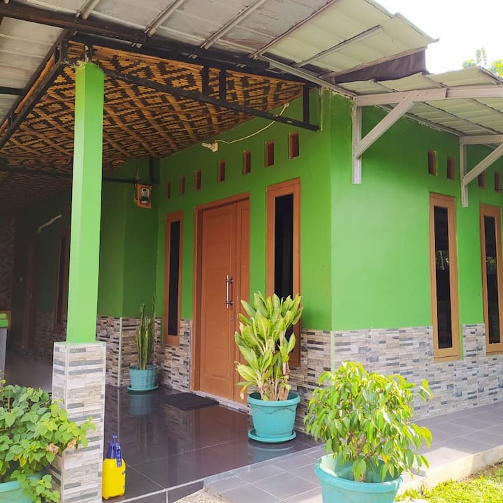 Bogor Barat Rumah Bu Dedeh