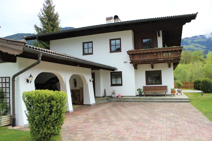 Quiet but very central apartment in Kitzbühel