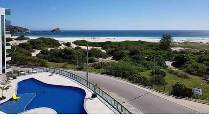 Apartamento em frente a Praia Grande