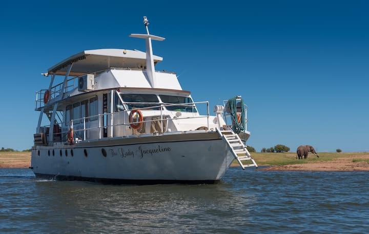 The lady Jacqueline Houseboat - Kariba Zimbabwe