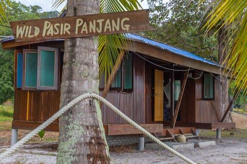Double Room w Private Bathroom Pasir Panjang Beach