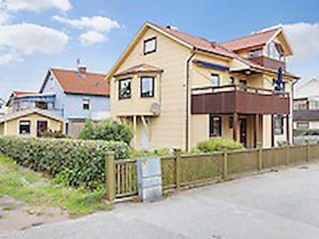 Trevlig lägenhet i centrala Kungshamn - Kungshamn - Appartement
