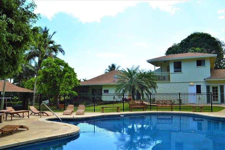 Oceanview Ko'olau Plantation Estate - Paradise!