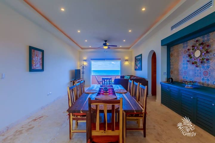 Luxury Condo front the Caribbean Sea Isla Mujeres