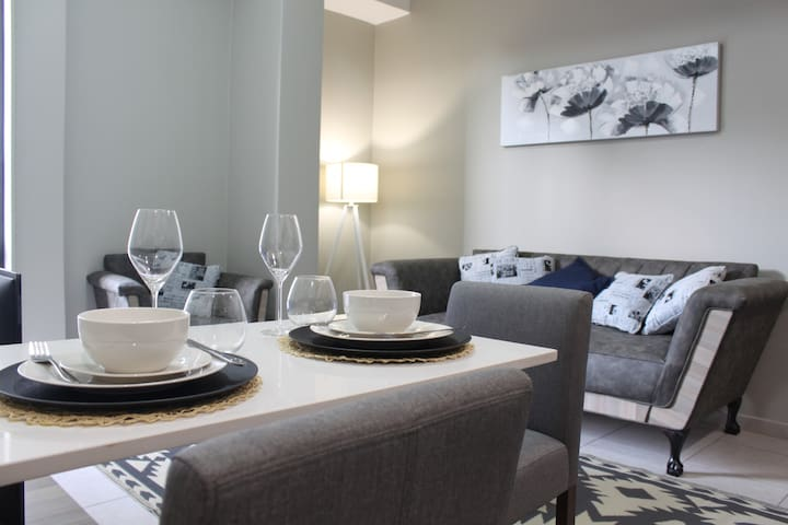 The Bolton Apartment in the heart of Rosebank