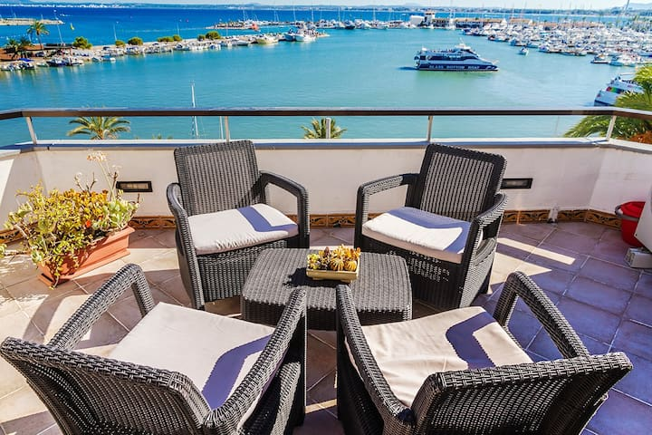 Spectacular penthouse on the sea front - Alcúdia - Apartment