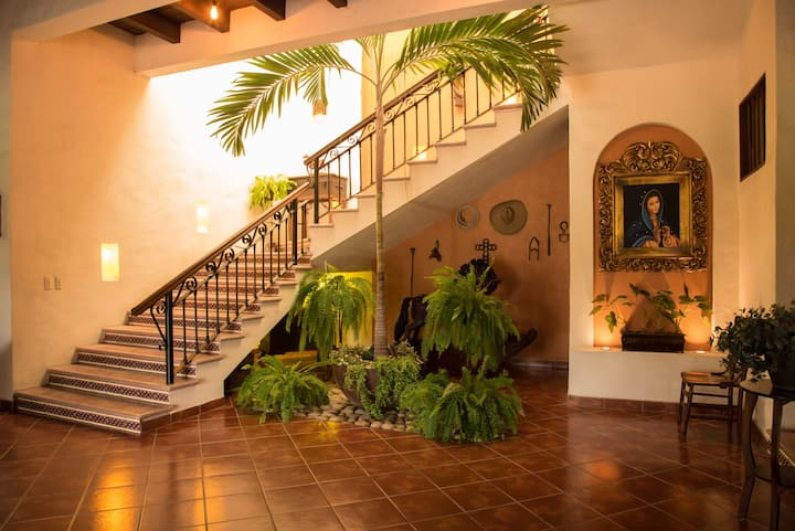 Traditional Stay Hacienda La Moreda Room Primavera