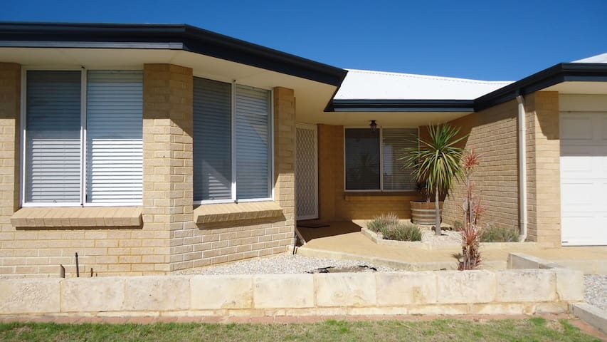 Mindarie self contained apartment