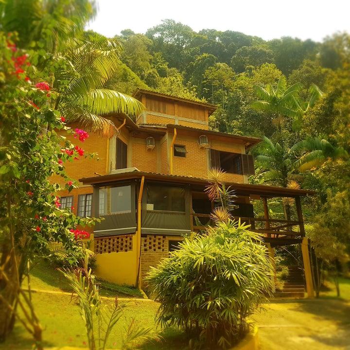 Casa junto a natureza em Boiçucanga