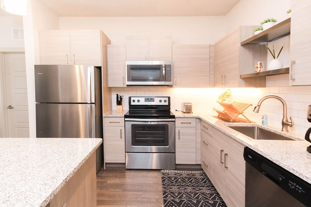 Spacious kitchen designed with ample accessories