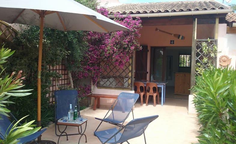 Mini villa 4 pers, plage de Pinarello à 300 m
