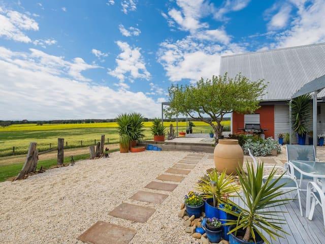 Coastal - Views, Modern farm Villa - Portarlington - Hus