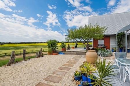 Coastal - Views, Modern farm Villa - Portarlington - บ้าน