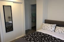 Private room with en-suite in City Center