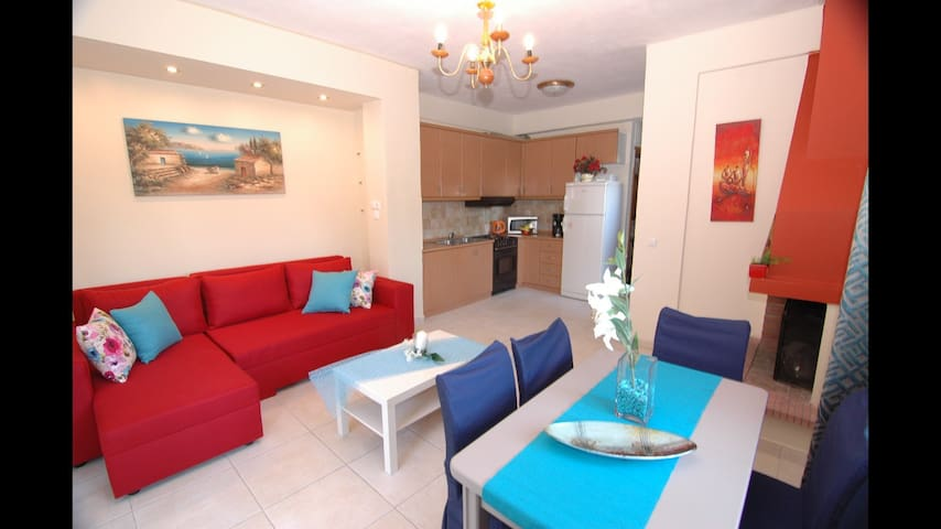 3bedroom Villa by a sandy beach - Κρυοπηγή - Casa