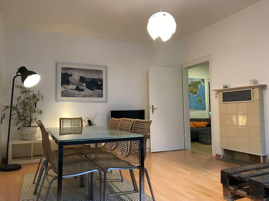 4 zimmer wohnung schnelles wifi gro e garage. Black Bedroom Furniture Sets. Home Design Ideas