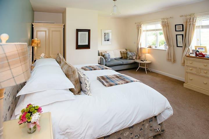Pickersgill Manor Farm, Yorkshire-Wensleydale Room