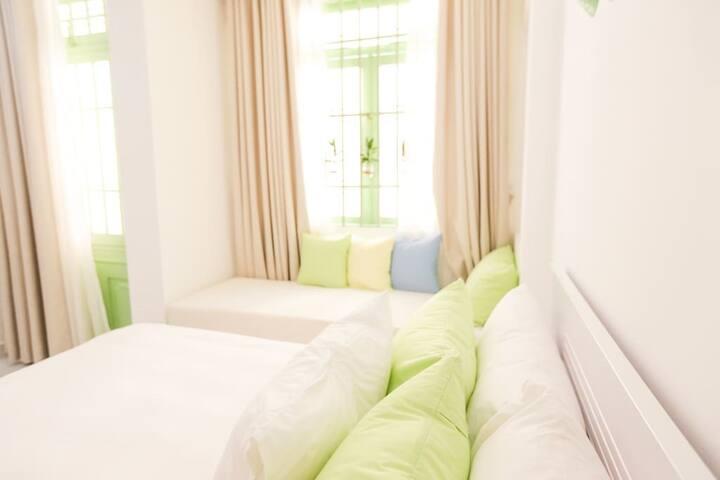 Private Suite- Balcony Near Central HCMC