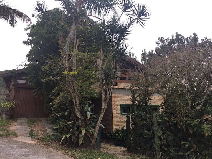 Belíssima casa perfil familiar