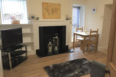 Denny Street Apartment, City Centre & Free Parking