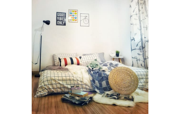 [THE MODEST LODGE] COZY CLEAN@MLK TOWN NEAR JONKER
