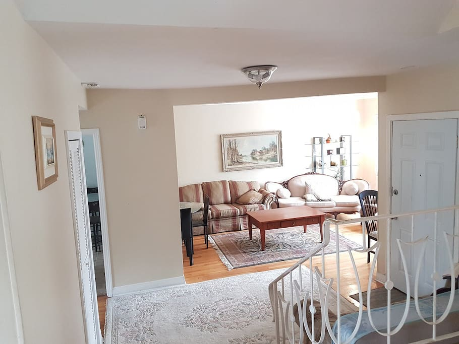 Upper part of a house 1500sf 3bd2bth split level for Affitto di cabina vicino a montreal