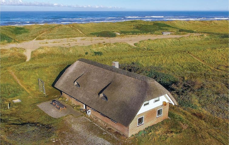 Holiday cottage with 5 bedrooms on 250m² in Ringkøbing