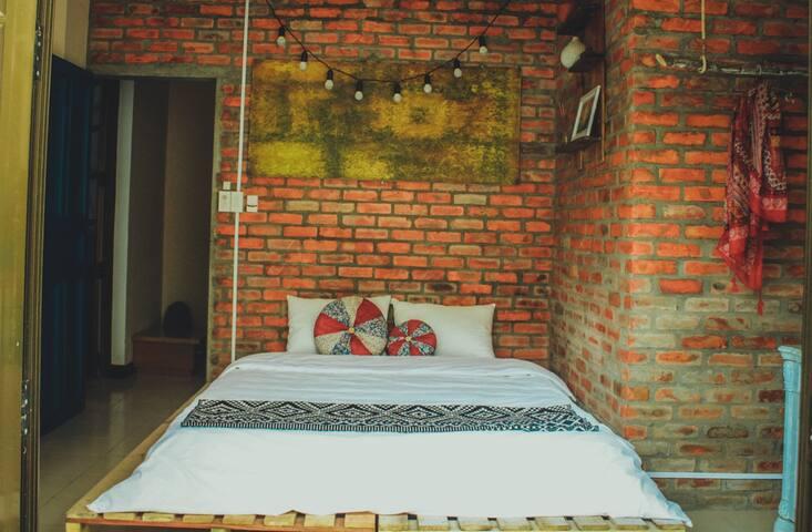 Deja Vu Homestay - Shine Room - tp. Huế - 家庭式旅館