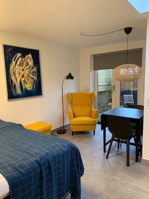 Apartament mic de lux cu terasă privată