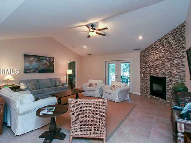 Living Room with Flat Screen TV at 152 N Sea Pines Drive
