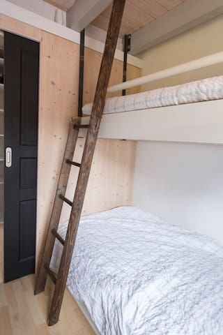 Downstairs bedroom with 2 twin beds (bunk bed)