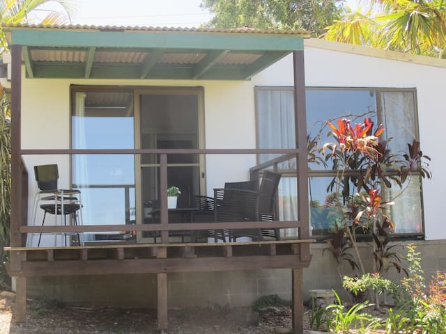 Value, Privacy, Convenient walk to town! - Maleny - Lägenhet