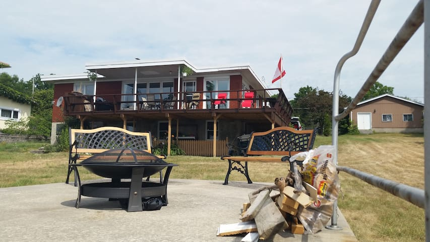 Kingston Waterfront Vacation Home - Kingston - Casa
