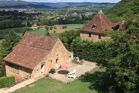 Ancienne dépendance Château Castelnau Bretenoux - Prudhomat - House