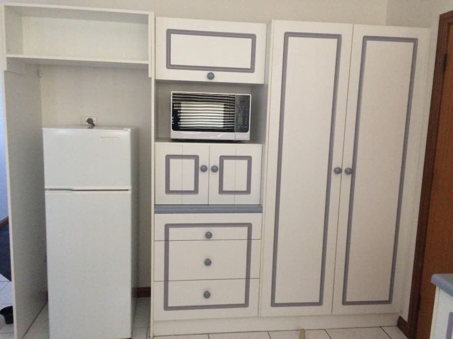 Kitchen with microwave, fridge, dishwasher, toaster & kettle. Breakfast supplies