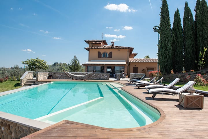 Villa with Pool and Winery in Chianti